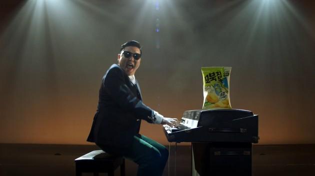 싸이가 부른 '꼬북칩' 노래 온라인서 폭발…3일 만에 20만건