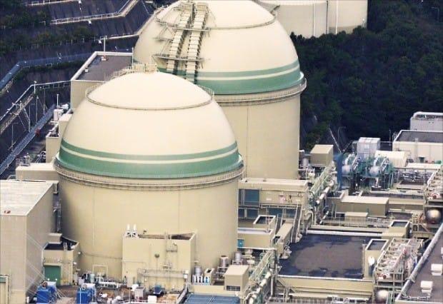지난달 17일 가동을 재개한 일본 후쿠이현에 있는 다카하마 원전 4호기.