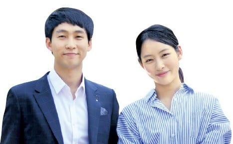 신봉국 대표(왼쪽)와 신은숙 이사 남매