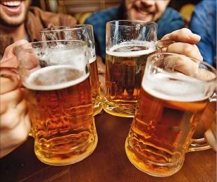 """""""술 한 잔에 벌게지는 사람엔 권하지 말아야"""""""