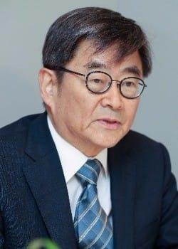 안경환 법무장관 후보, 3년전 칼럼서 음주운전·다운계약서 '고백' 논란