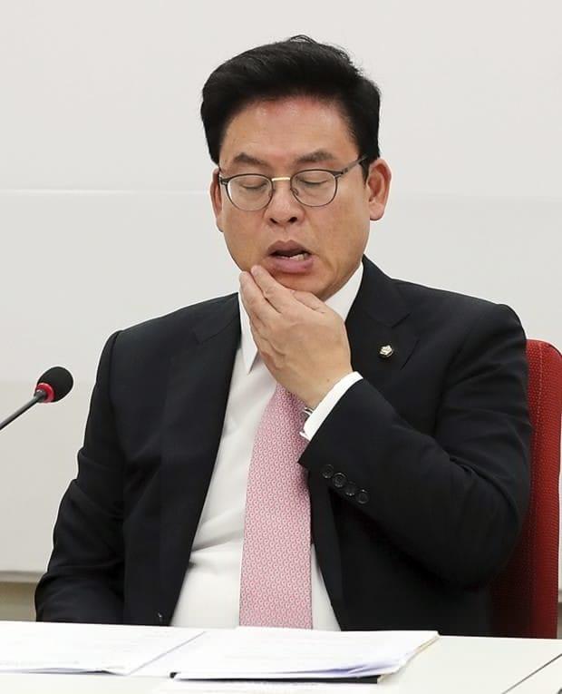 """한국당 """"정부조직개편 최소화 공감…내용 봐서 협조판단"""""""
