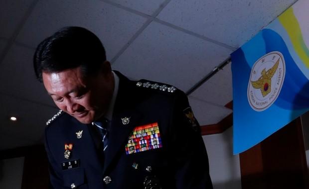 '현장대응 부실로, 비리로'…또다시 고개숙인 경찰 총수