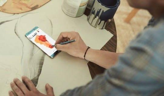 [이진욱의 전자수첩] 삼성은 굳이, 왜 노트북에 S펜을 끼웠을까