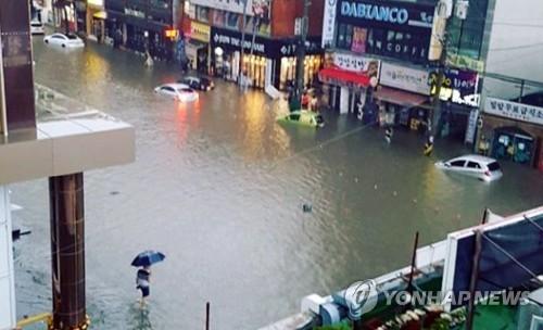 1시간 폭우에 2345채 침수…'3대 도시' 인천 쑥대밭