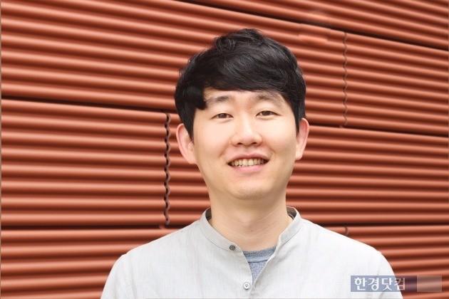 """이형경 홈디 대표(31·사진).  """"집이 어려워지면서 10년간 스스로 생활비와 학비를 벌어 썼습니다. 큰 돈을 만졌지만 진로에 대한 고민이 생겼죠. '행복'에 대해 관심을 가지면서 창업을 결정했습니다."""" / 사진=조아라 기자 rrang123@hankyung.com"""