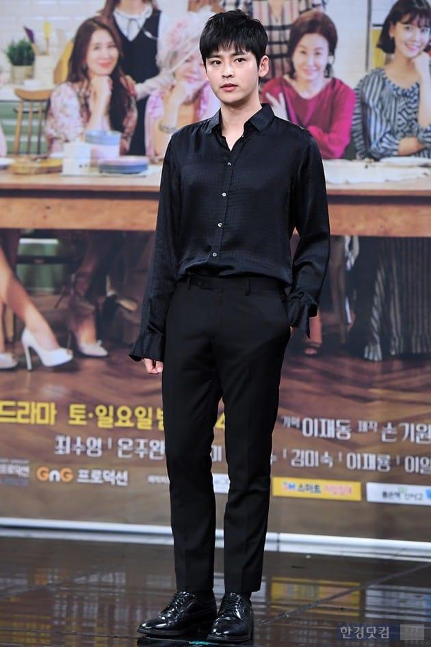 [포토] 김진우, '블랙으로 멋지게 차려입고~'