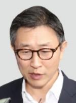 '스폰서 부장검사' 김형준… 2심서 집행유예로 풀려나