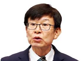 """김상조 """"징벌적 손해배상액 '최대 3배'서 '무조건 3배'로"""""""