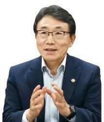 """권덕철 보건복지부 차관 """"지방·중소 병원 간호사 태부족…종합대책 곧 마련"""""""