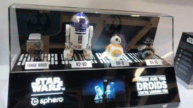 엔터테인먼트 소형 로봇에도 스타워즈 캐릭터들이 입혀져 나왔다. (사진 김하나 기자)
