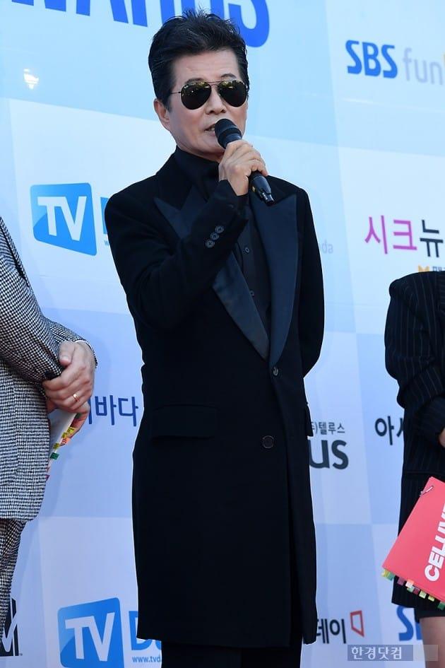 [포토] 태진아, '선글라스 쓰고 멋지게~' (소리바다 어워즈)