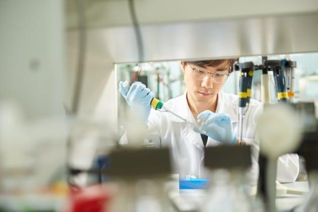 한미약품, 연구개발 가치 재조명…호중구감소증 치료제 '롤론티스' 기대감 ↑