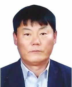[2017 한국의 신지식인상] 인성교육·원칙주의 '고수'