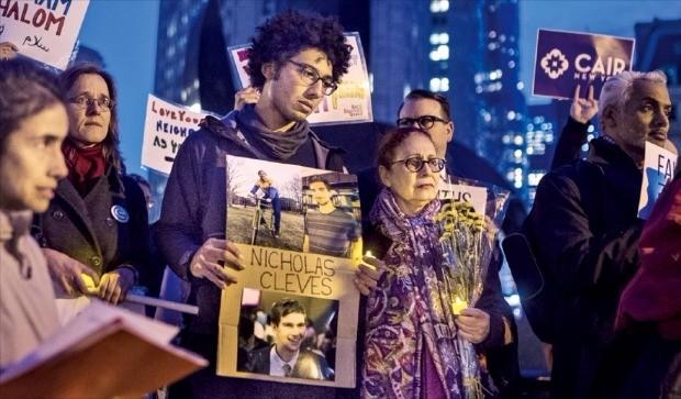"""슬픔에 잠긴 뉴욕… 트럼프 """"테러범, 사형에 처해야"""""""