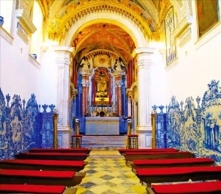 알랭테주에 있는 와이너리 도나 마리아 훌리오 바스토스의 예배당