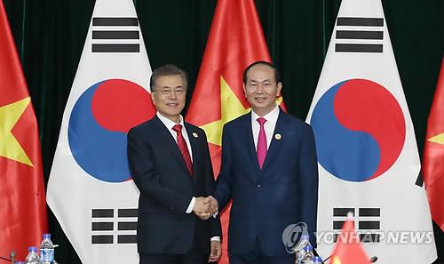 """문대통령 """"한국은 베트남에 마음의 빚 지고 있어"""""""