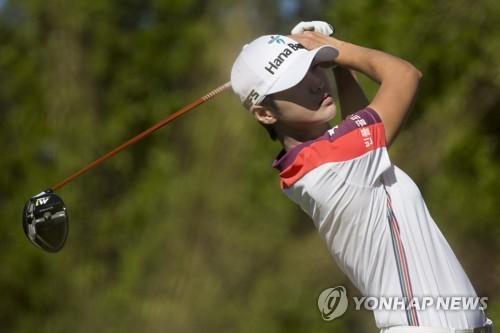 박성현, 39년 만에 LPGA 투어 '신인 3관왕'… 유소연 공동 수상