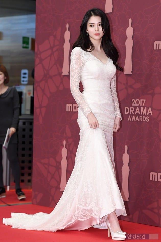 [포토] 한소희, '순백의 드레스 입고 우아하게~' (MBC 연기대상)
