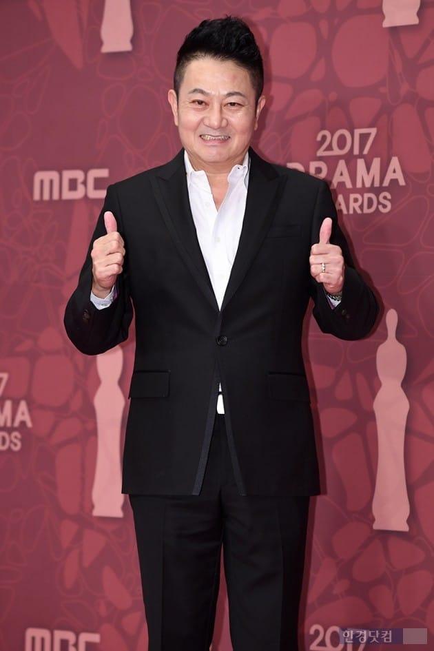 [포토] 박준규, '멋지게 쌍엄지척' (MBC 연기대상)
