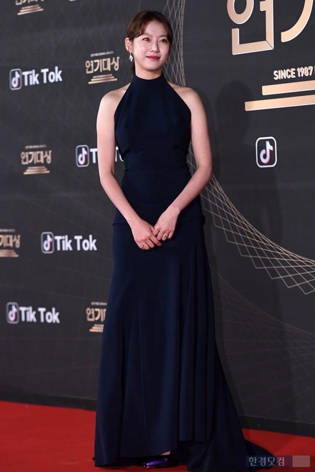 [PHOTOPIC] 공승연, '모두가 놀란 반전 뒤태'(KBS 연기대상)