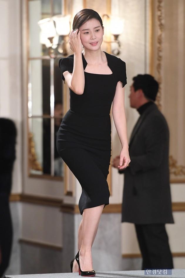 [포토] 이보영, '단아한 모습으로 등장~'