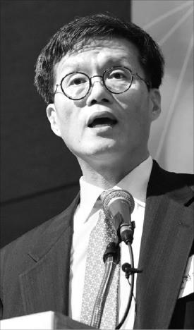 """이창용 IMF 아시아태평양 담당 국장 """"한국, 경기 회복 때 과감한 구조조정을"""""""