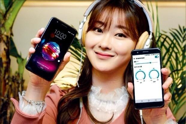 LG전자가 이달 말 30만원대 실속형 스마트폰 'LG X4플러스'를 선보인다. LG전자 제공