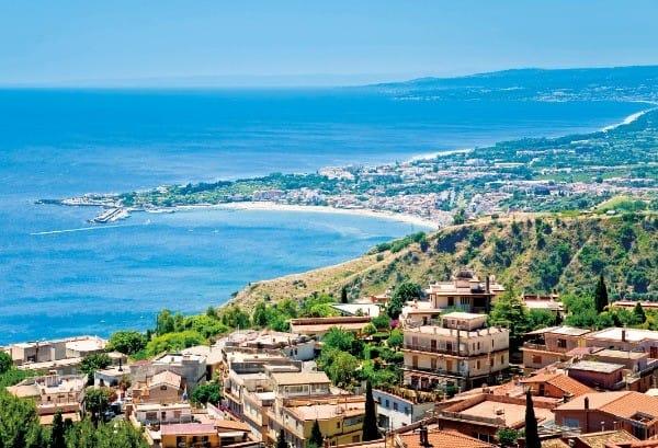 시칠리아 대표 휴양지 타오르미나