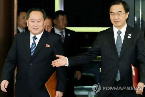 엿새 만에 마주 앉는 남북… 북한 예술단 파견부터 논의
