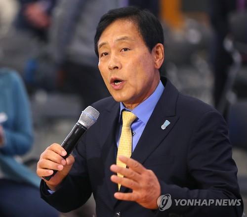 """하나금융 회장에 김정태 내정…""""CEO 승계 투명성 제고"""""""