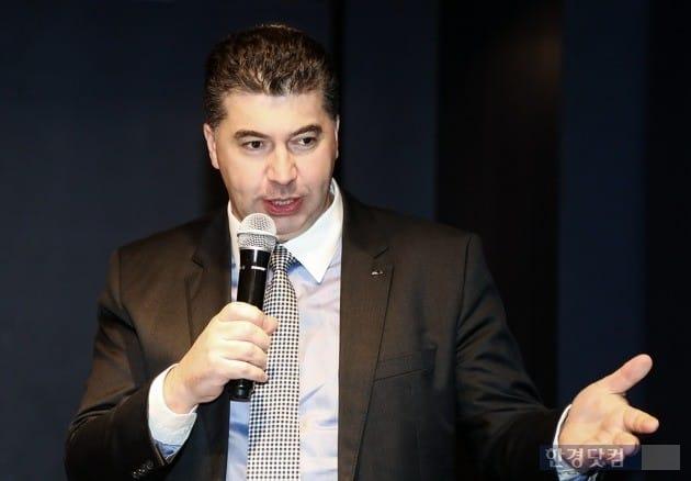 카허 카젬 한국GM 사장은 작년 말 기자간담회에서 흑자전환을 최우선 목표로 사업을 추진하겠다고 밝혔다. (사진=한국GM)
