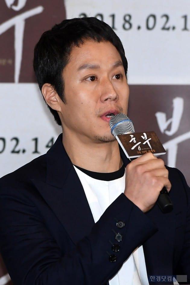 [포토] 정우, '故 김주혁 생각에 눈물 글썽'