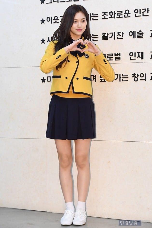 [포토] 위키미키 김도연, '우월한 8등신 비율 뽐내며~'