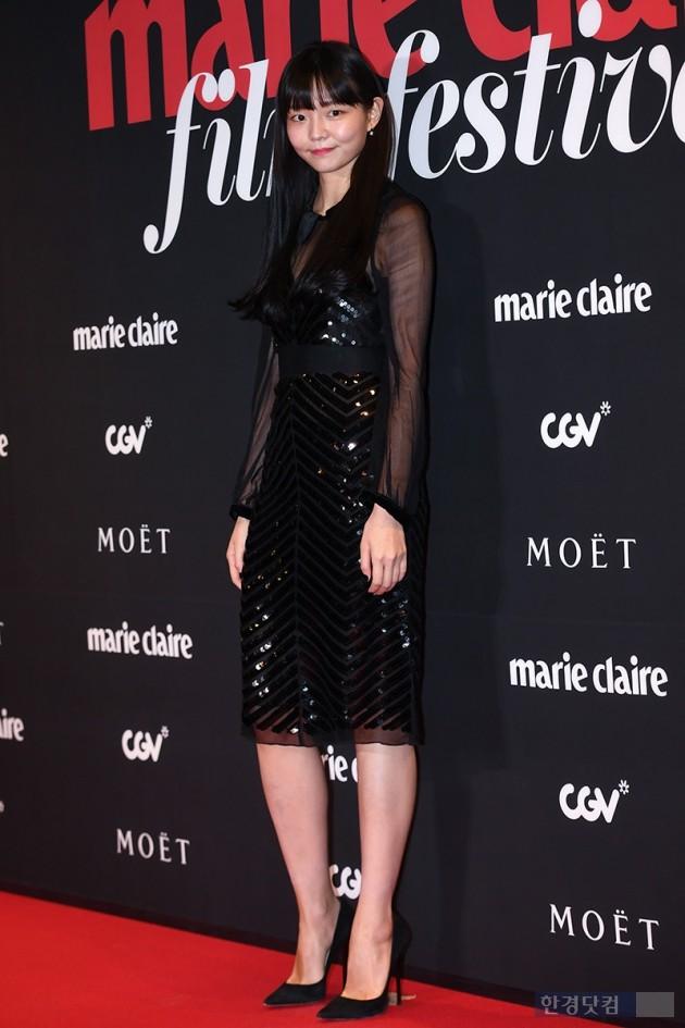 [포토] 이솜, '모델출신 다운 8등신 비율'