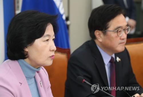 """올림픽 앞둔 민주-한국, 앞에선 """"정쟁중단"""" 뒤로는 '난타전'"""