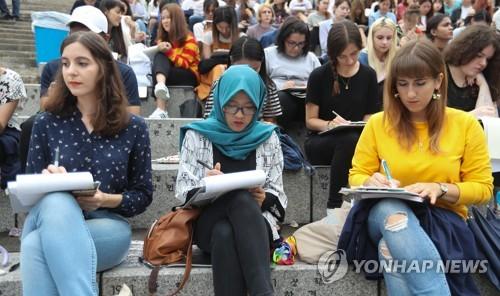 작년 외국인 유학생 증가율 18.8% 역대 최고… 12만4000명