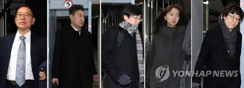 """박근혜 국선변호인단, '눈물'로 선처 호소…""""피고인 위해 최선 다해"""""""