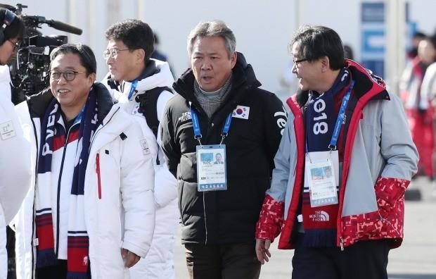 이기흥 대한체육회장(가운데) 사진=연합뉴스