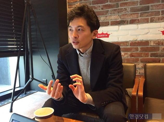 '골목의 전쟁' 김영준 작가.