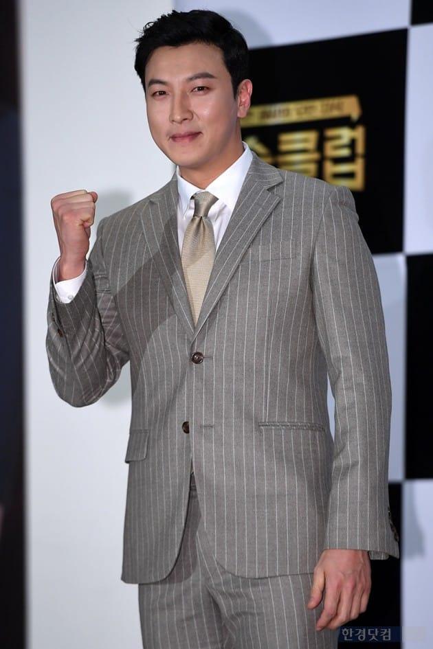[포토] 박건형, '잰틀하게 화이팅~'
