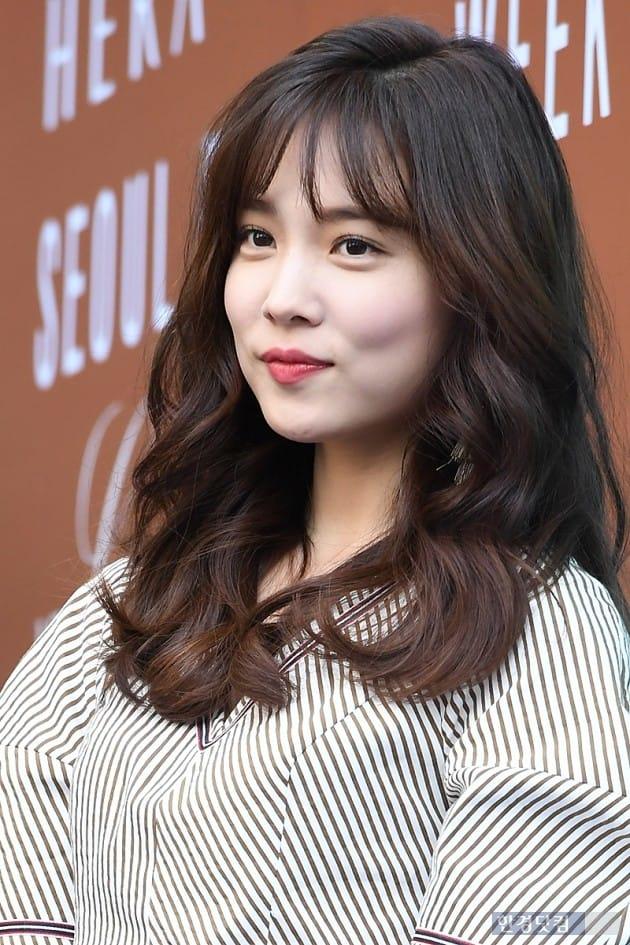 [포토] 윤소희, '얼굴에 꽉 찬 예쁨'