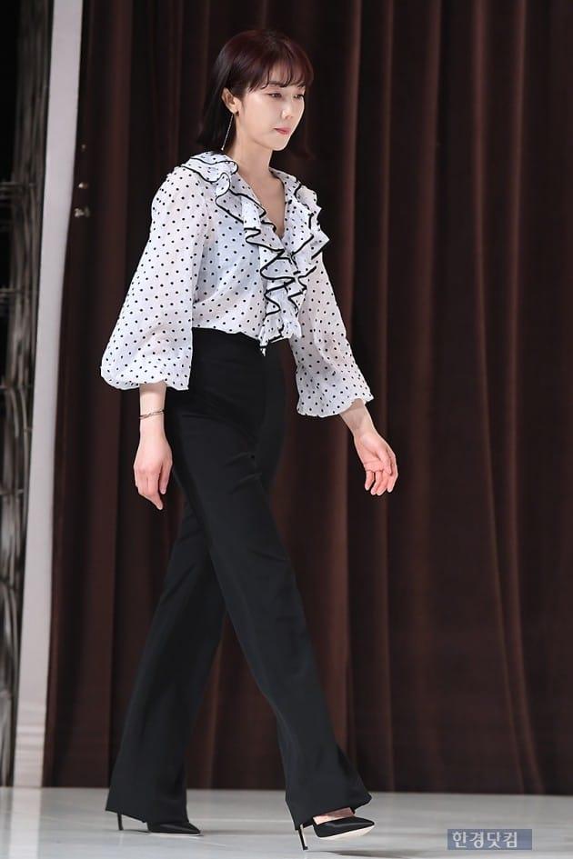 [포토] 김옥빈, '단아한 모습으로 등장~'