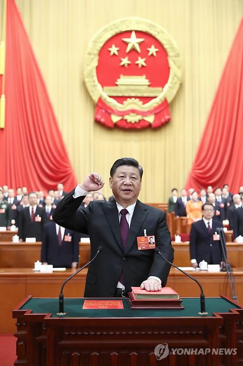 '절대 권력' 시진핑, 국가주석·군사위 주석에 만장일치 재선출