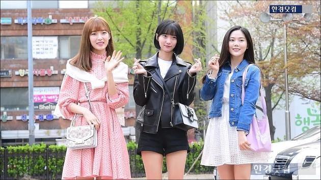 [HK영상] 오마이걸 반하나, '봄나들이 함께 가고픈 깜찍한 소녀들~'