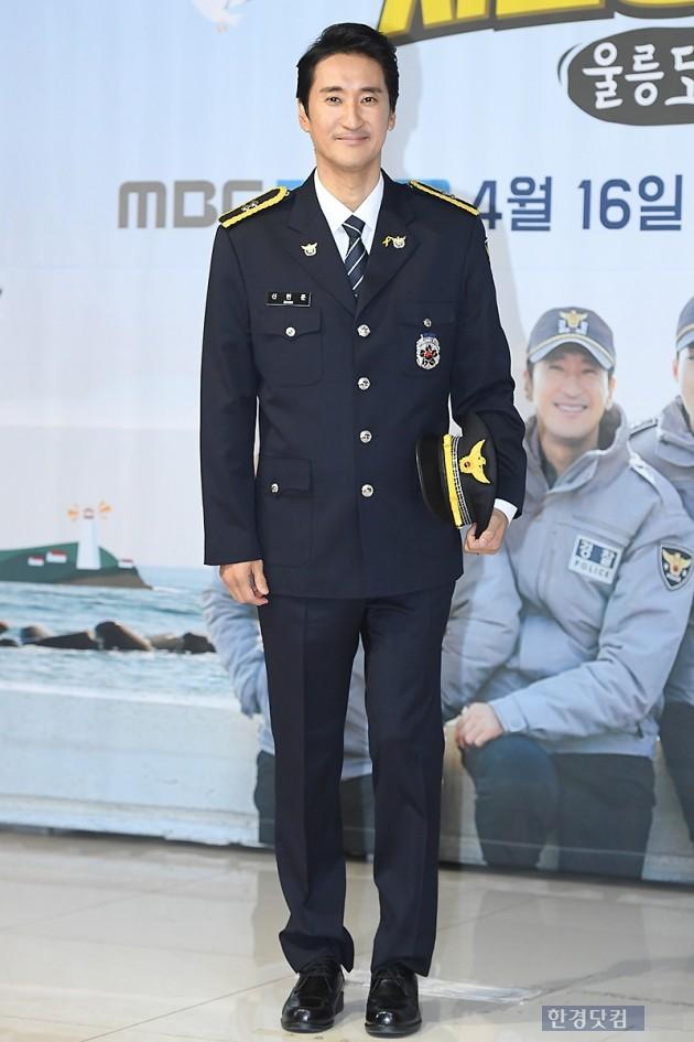 [포토] 신현준, '제복 입고 멋진 미소'