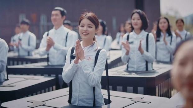 """""""너는 우주로 가라""""…SK하이닉스 광고, SNS에서 '대박'"""