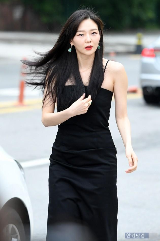 [포토] 이솜, '멀리서 봐도 연예인'