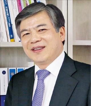 '로스쿨 도입 10년' 맞은 이형규 법학전문대학원협의회 이사장