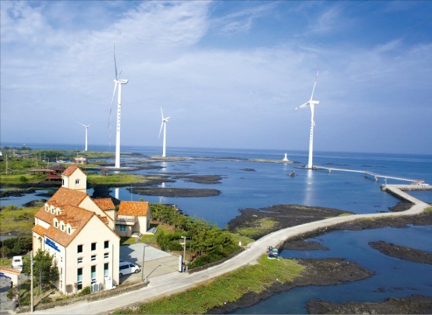 新산업 갈아입는 부산 한국남부발전 풍력·태양광 건설에 8兆 투자… 신재생에너지 3030 드라이브 가속 | 한경닷컴